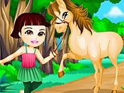 Dora Anda a Cavalo