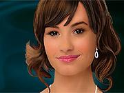 Maquiando Demi Lovato