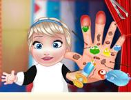 Bebê Elsa Machuca as Mãos