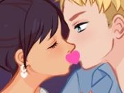 Beijo Escondido na Escola